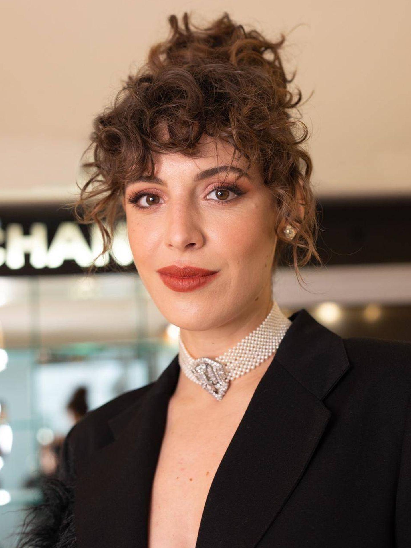Silma López, con su maquillaje en tonos teja. (Cortesía de Chanel)