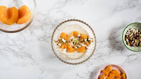 Mousse de melocotón y pistacho, una espuma de frutas llena de texturas y color