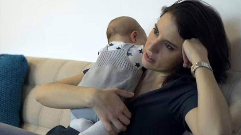 Irene Montero, con su hija Aitana. (YouTube)