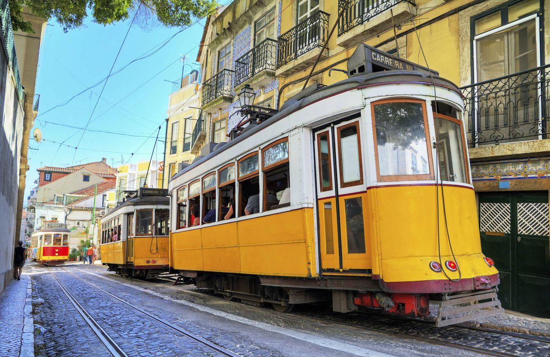 Tranvías en las calles de Lisboa. (iStock)