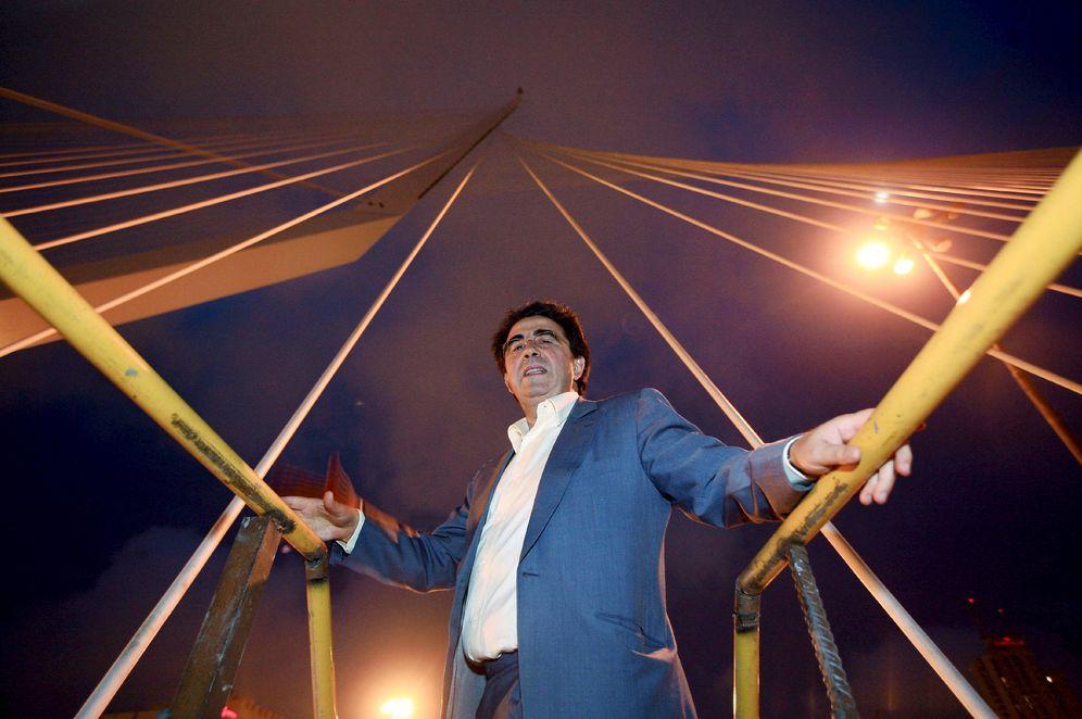 Foto: Calatrava, visitando una de sus obras en 2008. (EFE)