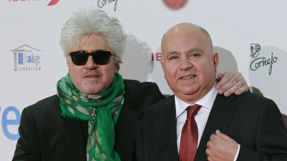 Foto: Pedro Almodóvar y Agustín Almodóvar en los Premios Forqué (EFE)