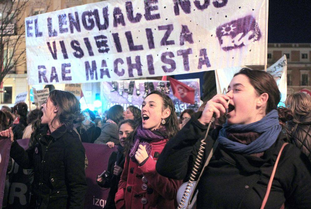 Foto: Protesta para reclamar un lenguaje no sexista. (EFE)