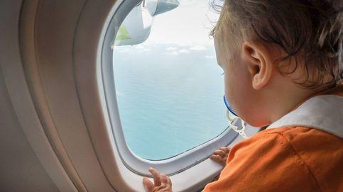 Una madre da a luz en un avión y su hijo tendrá vuelos gratis de por vida