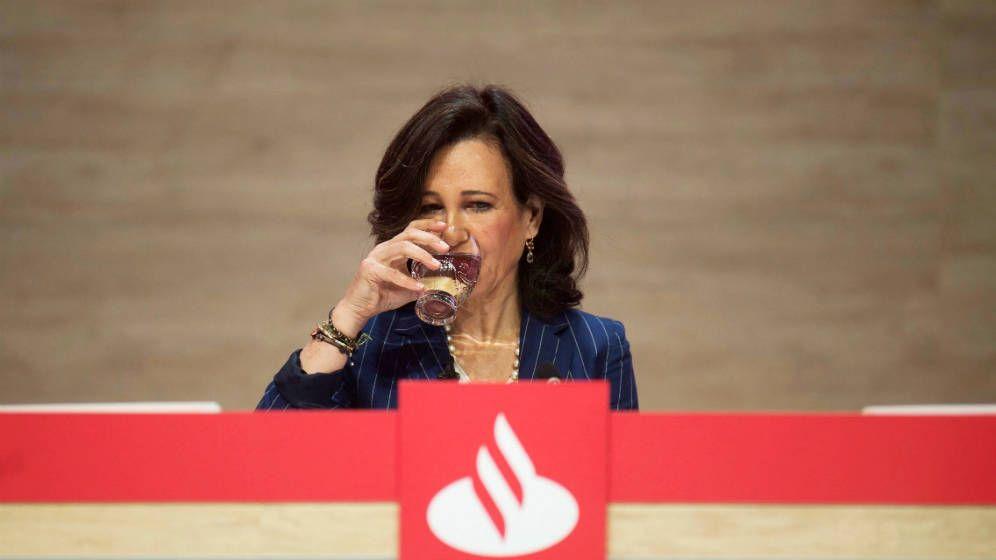 Foto: La presidenta del Banco Santander, Ana Botín, durante la última junta general de accionistas de la entidad. (EFE)