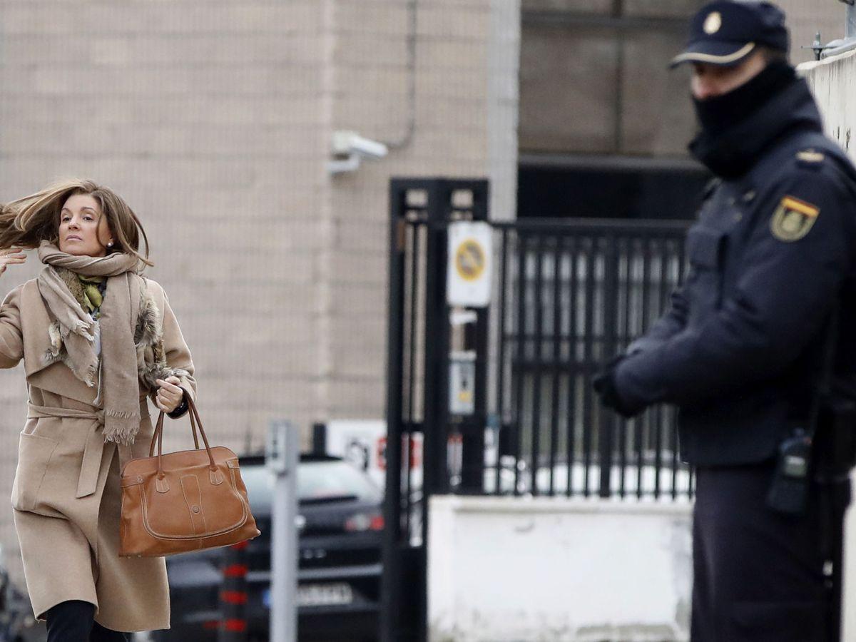 Foto: Rosalía Iglesias, esposa del extesorero del PP, Luis Bárcenas, a su llegada a la Audiencia Nacional. (EFE)