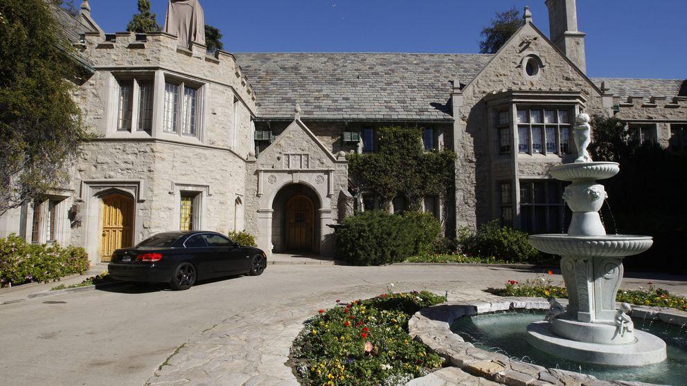 La mansión Playboy cuelga el cartel de 'se vende' por 200 millones de dólares