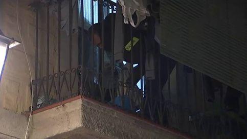 Los Mossos se equivocan de piso y los traficantes, que vivían a lado, huyen