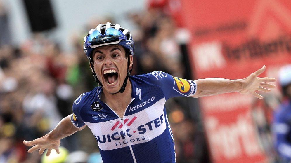 Foto: Enric Mas celebra su victoria en Andorra. (EFE)