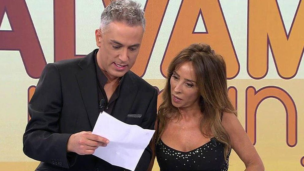 'Sálvame' entrega una citación judicial a María Patiño en directo