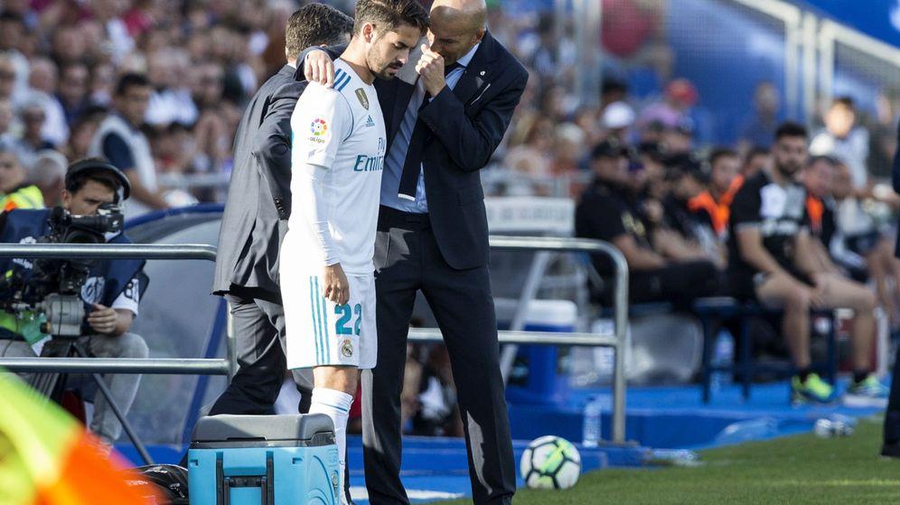 Foto: A Zidane no le encaja Isco en el 4-4-2 con el que mejor juega el Real Madrid. (EFE)