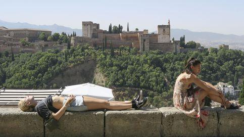 Flojea el turismo, resurge el ladrillo: así está la economía de Andalucía