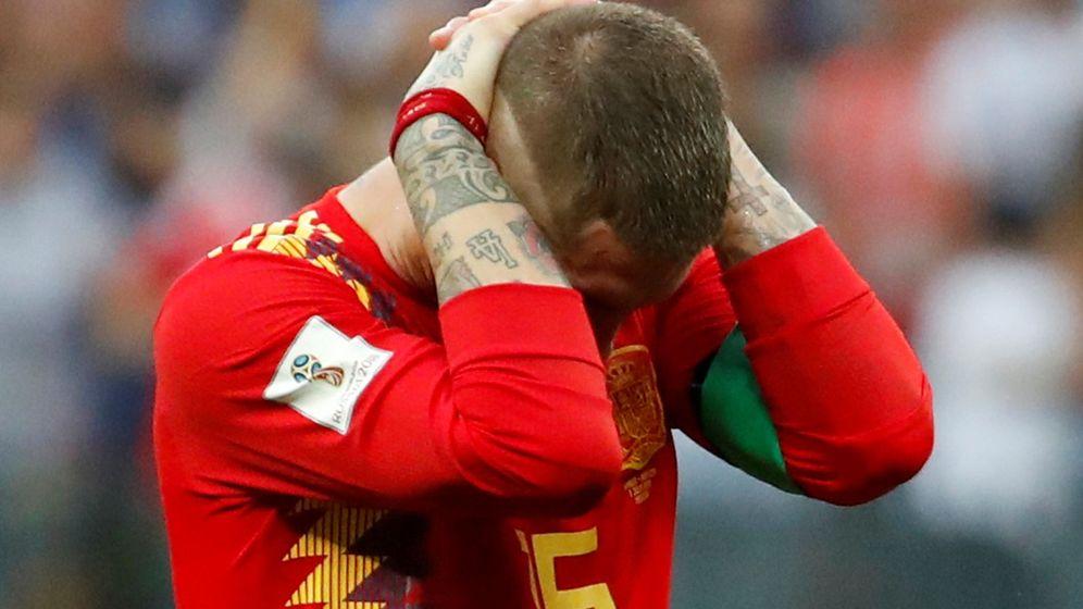 Foto: El lamento de Sergio Ramos tras la elminación de España en el Mundial de Rusia 2018. (Reuters)