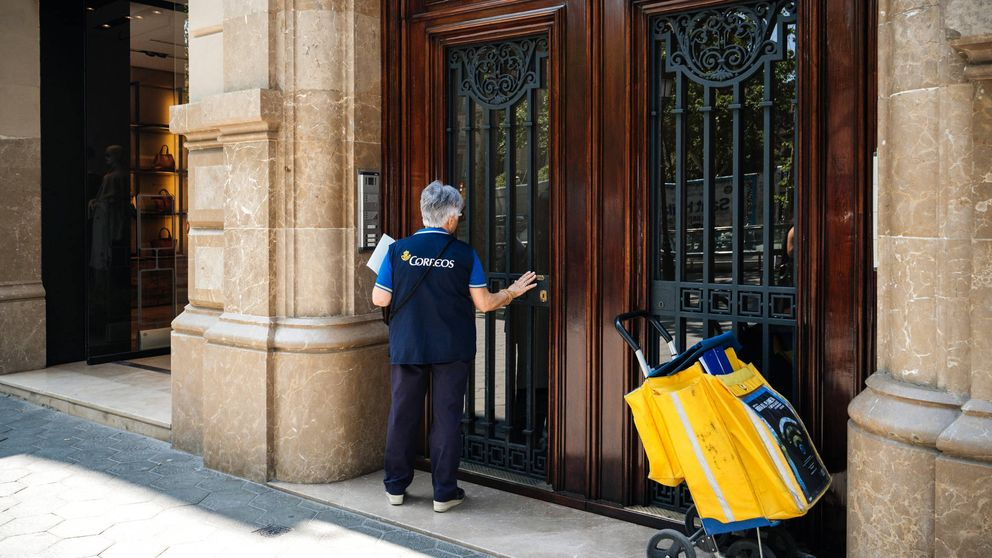 Correos crea 822 puestos de empleo fijos para entregar paquetes por la tarde