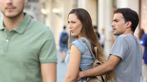 Fue a una fiesta y vio que su novia estaba con otro: su reacción fue genial
