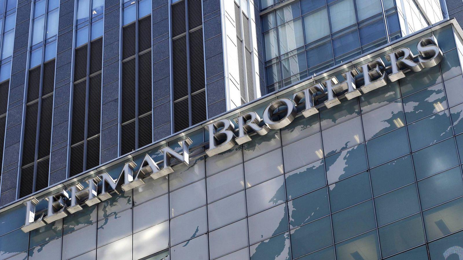 Foto: Generalmente suele datarse el inicio de la actual crisis económica y financiera el día de la quiebra del banco Lehman Brothers, el 15 de septiembre de 2008. (EFE)