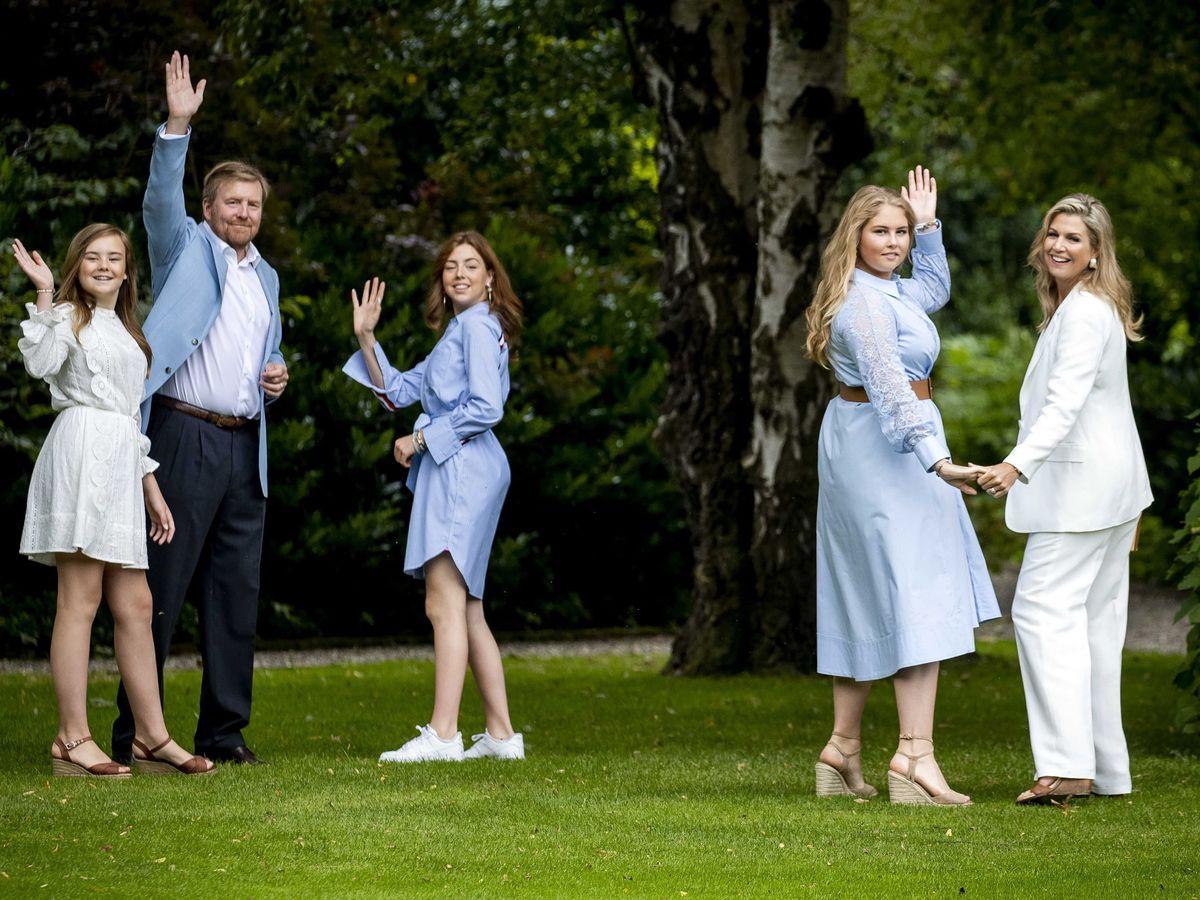 Foto: La familia real holandesa, en el posado de julio. (EFE)