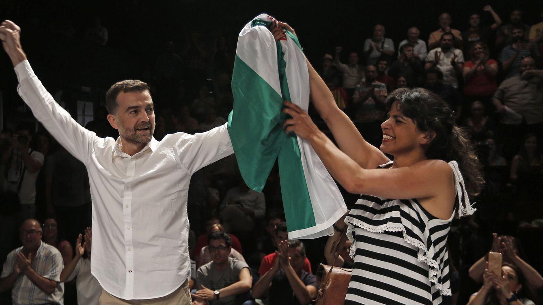 Podemos Andalucía pacta con IU y sella su desafío en plena caída de Iglesias
