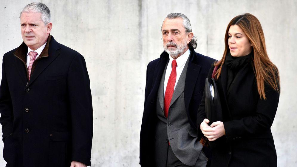 Foto: Pablo Crespo (i) y Correa, en su llegada a uno de los juicios de la trama Gürtel. (EFE)