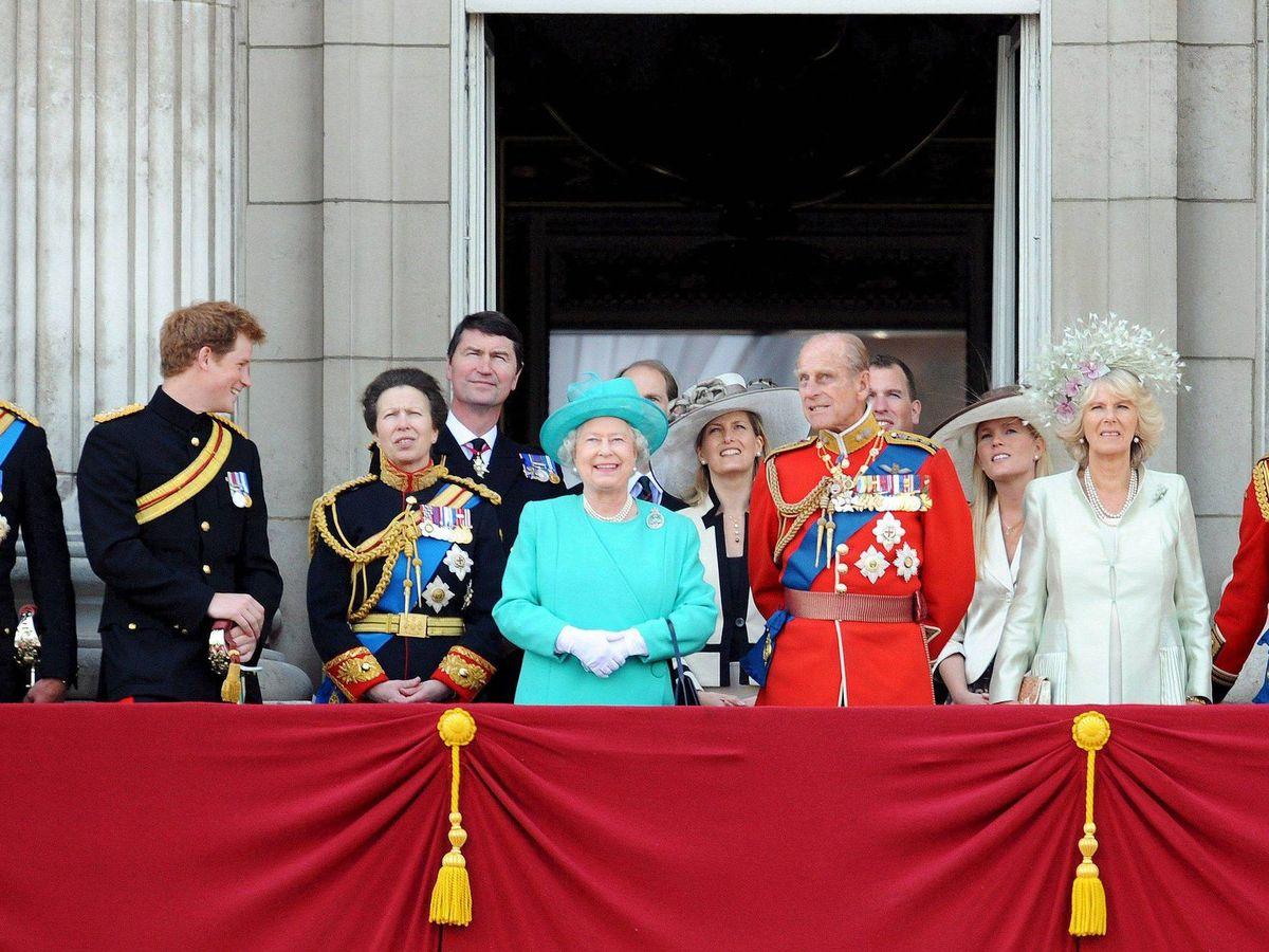 Foto: Isabel II, junto a parte de su familia en una imagen de archivo. (EFE)
