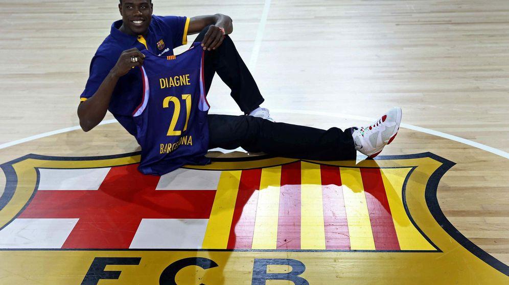 Foto: Moussa Diagne, en su presentación como jugador del Barcelona (Efe).