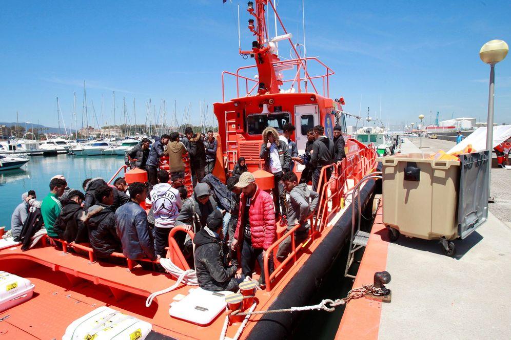 Foto: Rescatados 41 inmigrantes en las costas gaditanas (Efe)