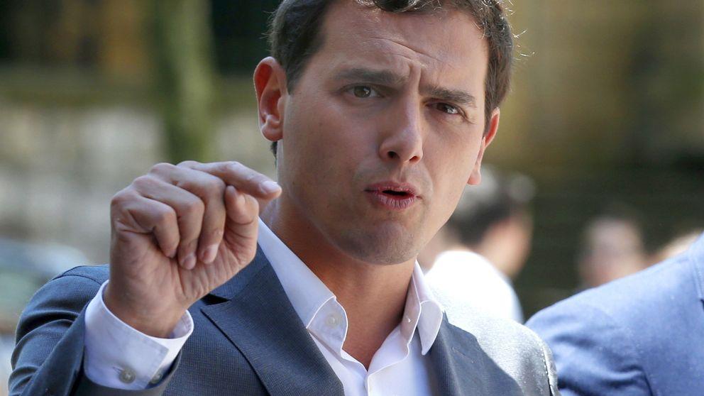 Rivera tiene una petición para Rajoy y Sánchez: negociar sin condiciones