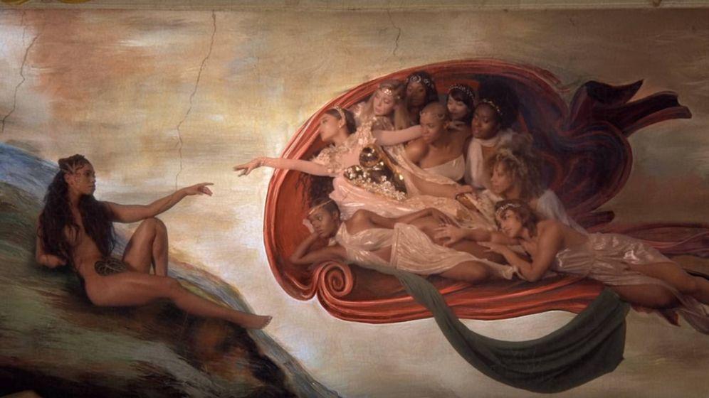 Foto: Ariana Grande, en un pantallazo del videoclip God is a woman. (YouTube)