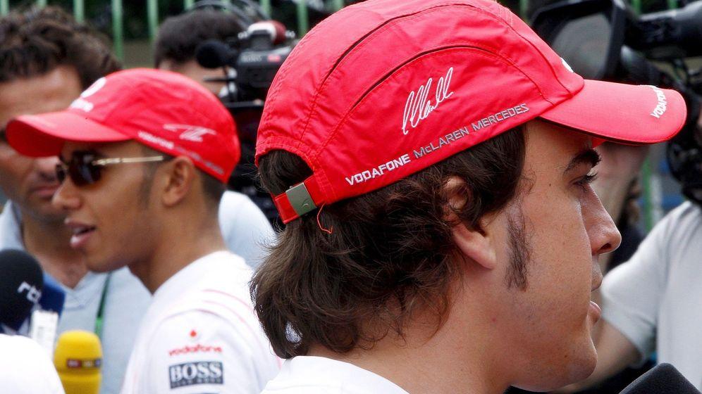 Foto: Hamilton y Alonso (EFE)