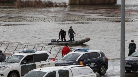 Tres fallecidos al volcar una lancha en el río Guadiana a su paso por Badajoz