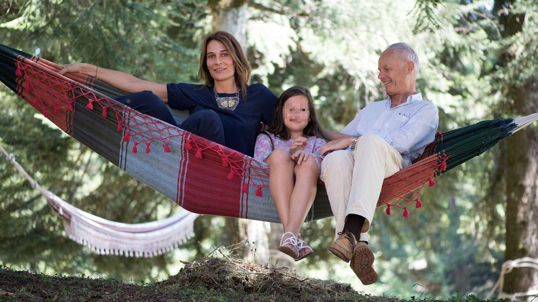Álvaro y Antonella junto a Eulalia. (Cordon Press)