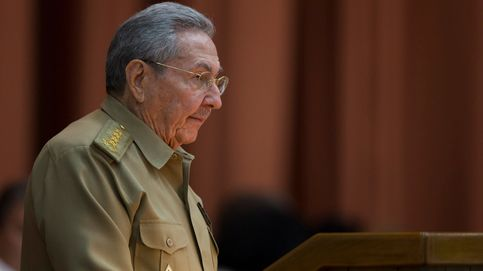 El presidente de Cuba felicita a Trump mientras organiza maniobras militares