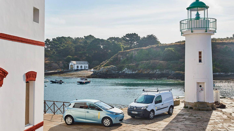 Los visitantes de la isla de Belle-Ile-en-Mer, en Francia, disponen de una flota de coches eléctricos de alquiler, gestionados mediante un sistema de autoservicio.