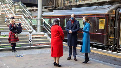 El 'Blue Monday' de Camilla y Kate Middleton (con gesto de austeridad y guiño a Lady Di)