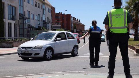 Cazan al conductor que atropelló a un ciclista: escribió la matrícula en la arena