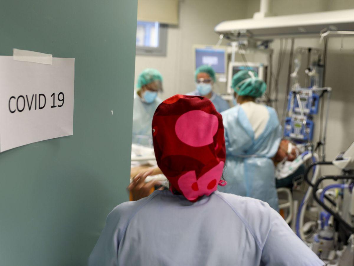 Foto: Sanitarios del Hospital Infanta Sofía, en San Sebastián de los Reyes, Madrid. (Reuters)