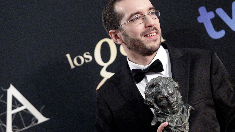 Enrique Gato recibe el Goya a Mejor dirección novel en 2013. (EFE)