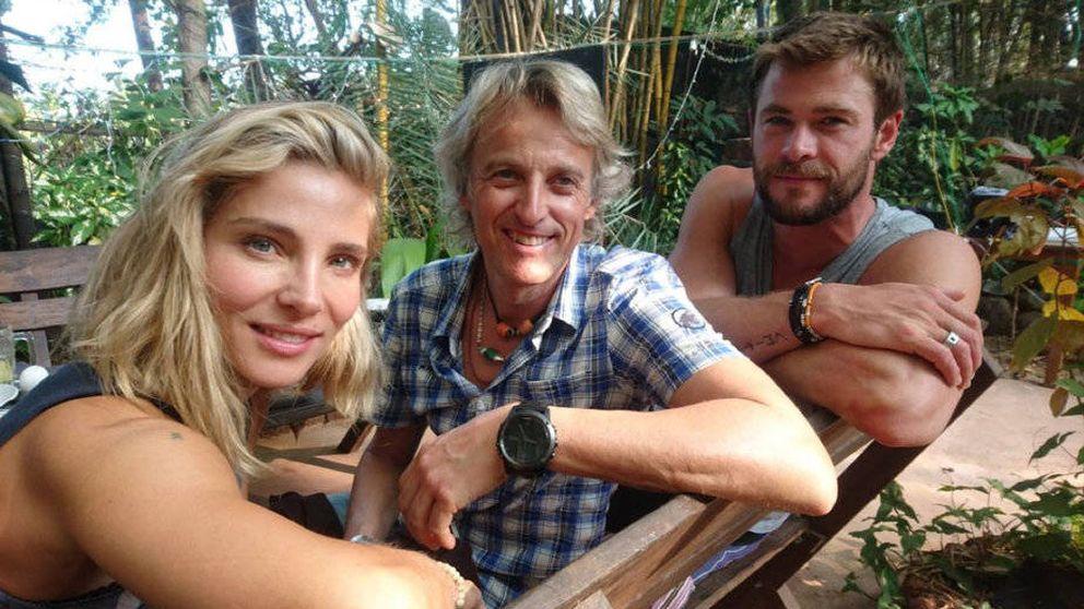 Hemsworth y Pataky: mal de altura, visión doble y posados con Calleja