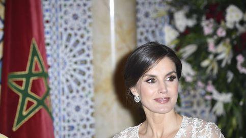 El look 'mil y una noches' de la reina Letizia en Marruecos de la mano de Varela