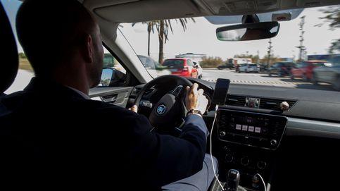 La justicia cerca a las VTC que operan con Uber y Cabify por precarizar a sus conductores