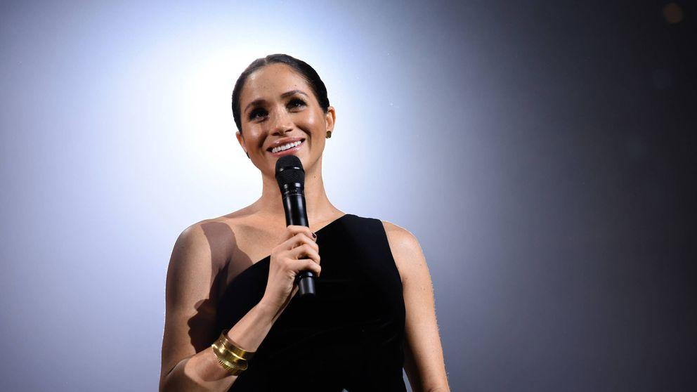 Meghan Markle saca las uñas en su reaparición sorpresa en los Fashion Awards