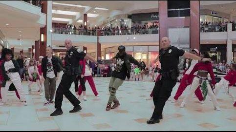 Un 'flashmob' policial por sorpresa