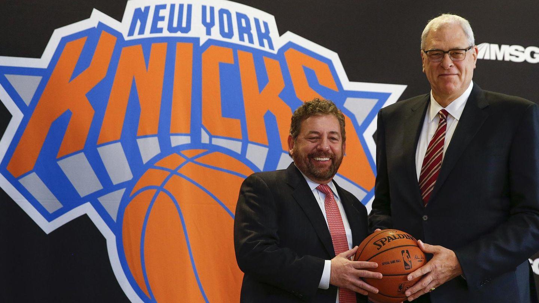 James Dolan (i) y Phil Jackson en la presentación del segundo como presidente del los Knicks en marzo de 2014. (Reuters)