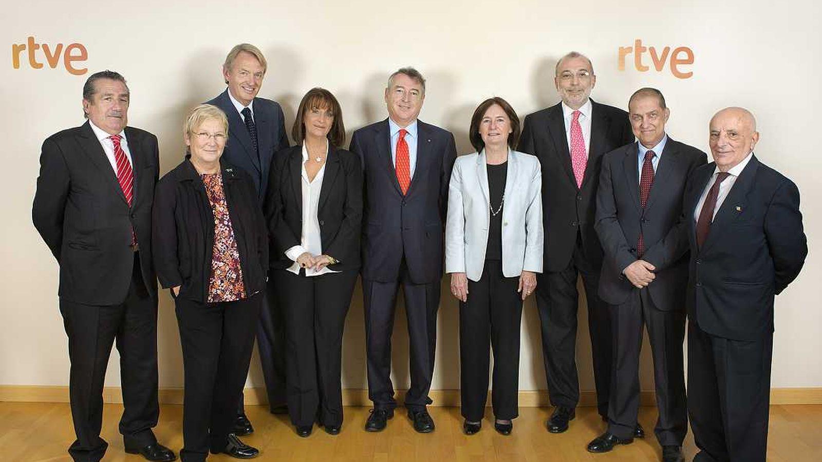 Foto: Foto de la actual composición del Consejo de Administración de RTVE con José Antonio Sánchez en el centro (RTVE)