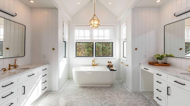 Sin problemas de espacio en el baño. (Realtor.com)