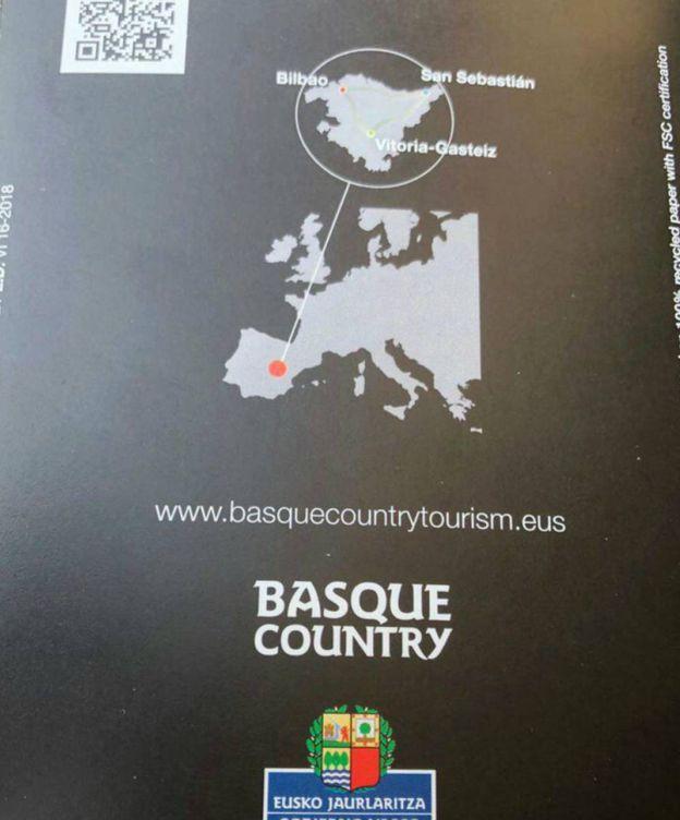 Foto: Imagen de la contraportada del folleto turístico que sitúa al País Vasco en Castilla-La Mancha. (EC)