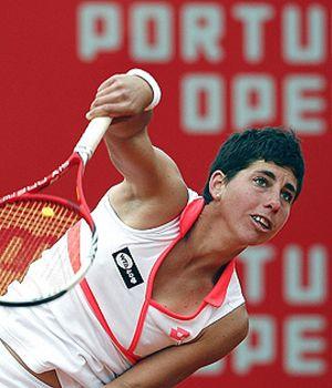 Cara y cruz en Portugal: Carla Suárez supera la primera ronda pero Anabel Medina cae