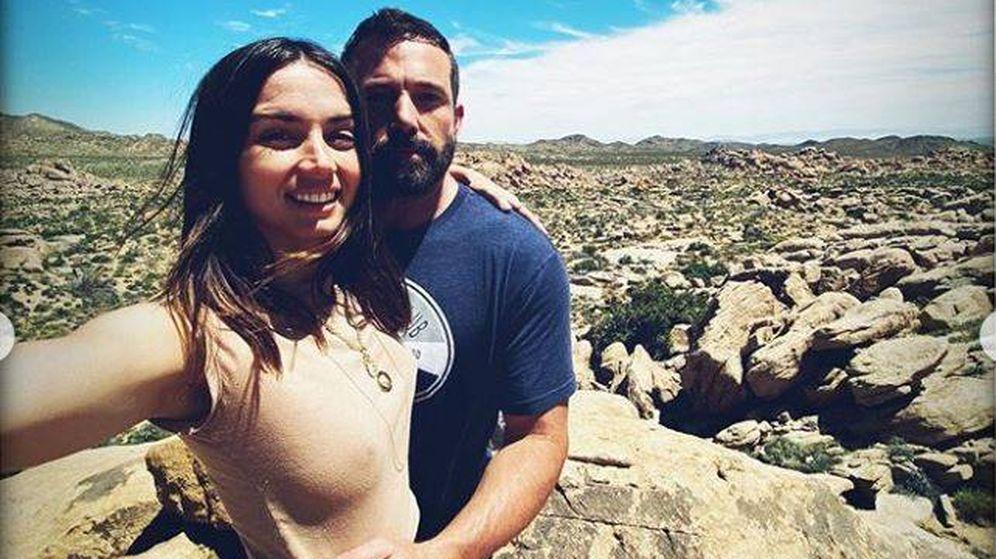 Foto: Ana de Armas y Ben Affleck en la imagen 'oficial' que confirma su noviazgo.(Instagram)