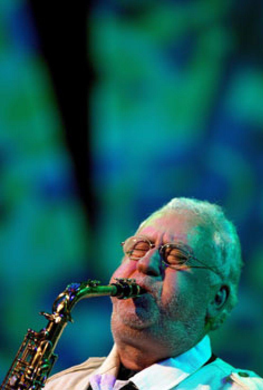 Foto: El legendario Lee Konitz celebra sus 80 años con una actuación en el Palau de Valencia