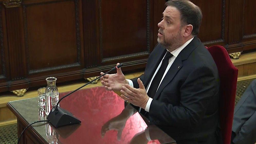 Foto: Oriol Junqueras, durante la tercera jornada del juicio del 'procés'. (EFE)